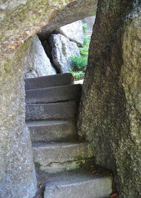 Am Weißmainfelsen, Stufen zur Aussichtsplattform