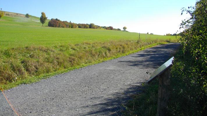 """Auf dem Jean-Paul-Weg, Staionstafel 108 """"Vom reichen und armen Geiz"""" auf dem Rodersberg"""