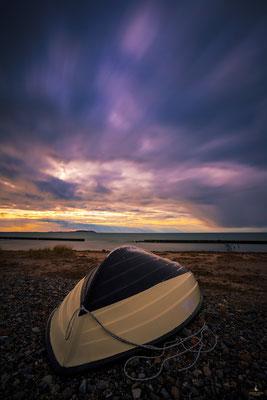 Wolkenstimmung bei Dranske mit Blick auf die Insel Hiddensee