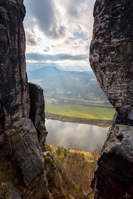 Bastei mit Blick auf die Elbe