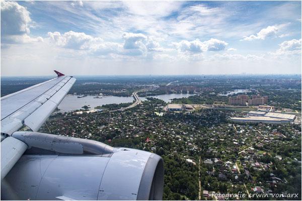 Die Edelweiss im Anflug auf Moskau