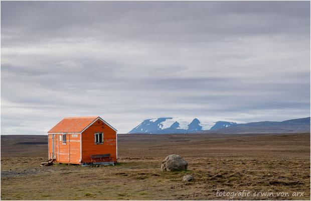 Schutzhütte für die Schafstreiber, im Hintergrund der Langjökull