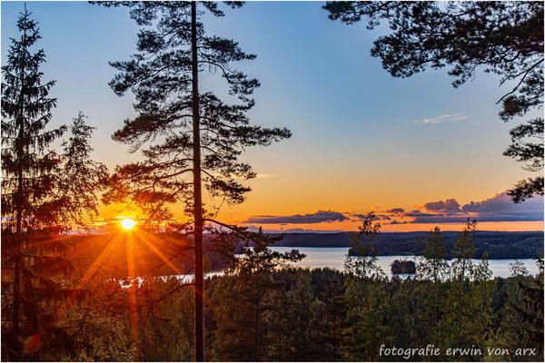Sonnenuntergang über dem Hiidenvesi, Finnland