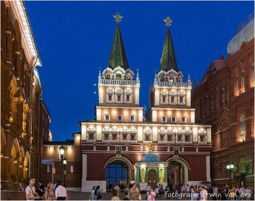Moskau by night, roter Platz. Auferstehungstor