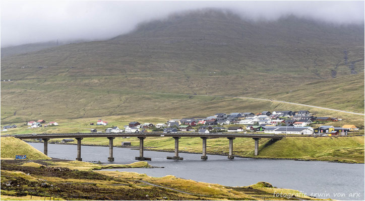Die Brücke in Oyrarbakki