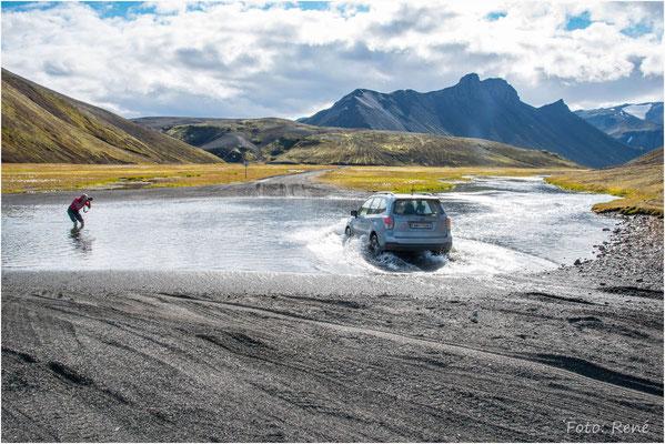 Landmannalaugar, für ein gutes Foto wird alles gegeben