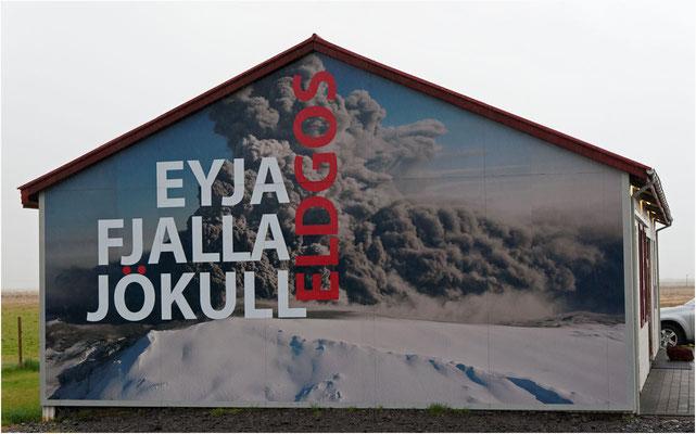 Island, so ist Eyja-Fjalla-Jökull leicht zu lesen
