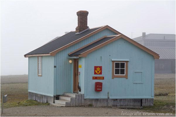 NY ALESUND, hier ist auch die nördlichste Poststelle der Welt