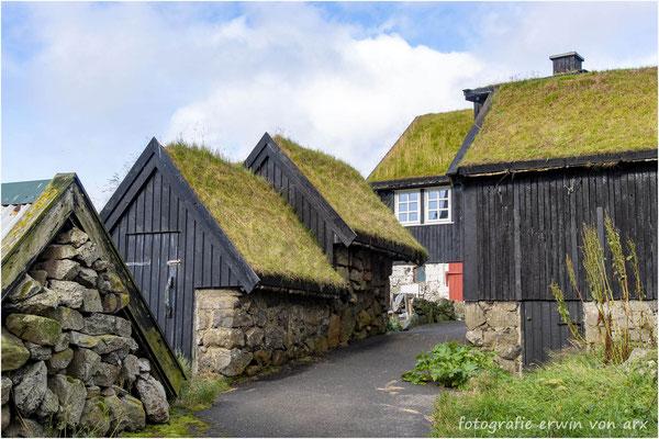 Gásadalur, gepflegte Häuser