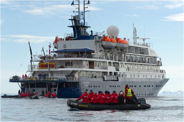 """Nach erfolgter """"Eisbärenjagd"""" gehts wieder auf die SEA SPIRIT"""