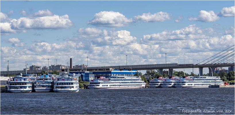 St. Petersburg. Die Anlegestelle