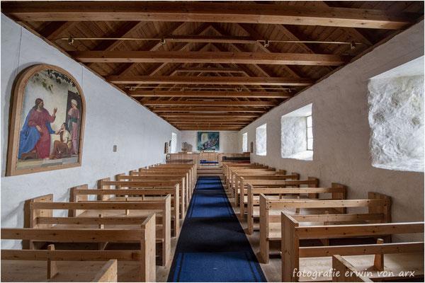 Kirkjubour, gut gepflegte Kirche