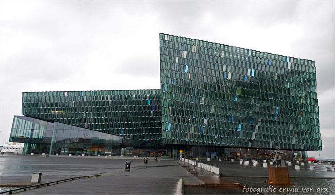 Island, Konzerthaus in Reykjavik