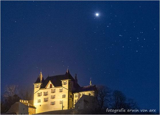 Schloss Wartenfels mit Venus beim Plejaden-Sternenhaufen, 04.04.2020, kommt nur alle 8 Jahre vor