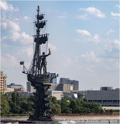 Moskau. Zar Peter der Grosse auf dem Schiffs-Denkmal