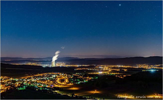 Blick vom Schloss Wartenfels aufs Niederamt, der helle Stern ist der Jupiter und etwas links davon der Saturn