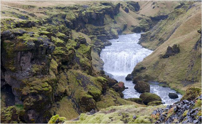 Island, oberhalb Skogafoss gibts noch weitere schöne Wasserfälle