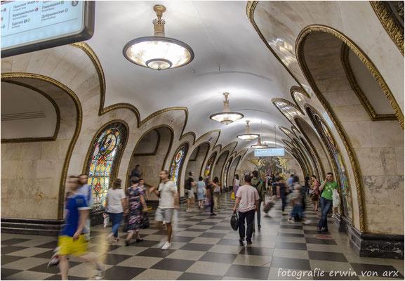 Moskau by night. Sehenswerte Metrostationen aus der UdSSR Zeit