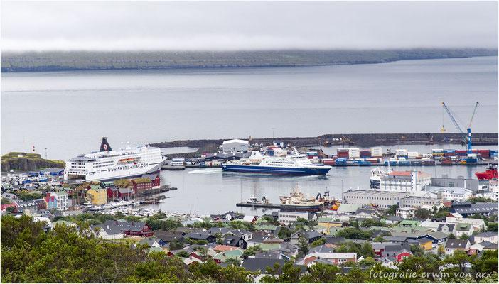 Der Hafen von Tórshavn