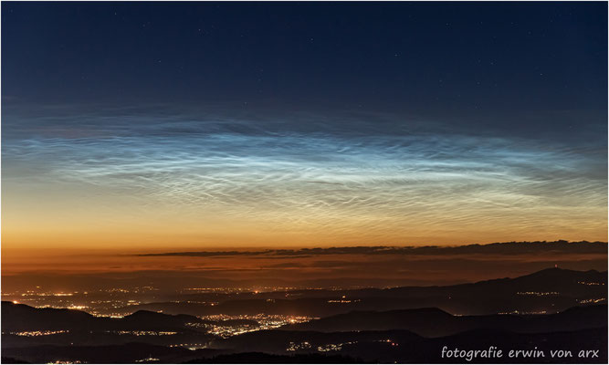 Leuchtende Nachtwolken, noctilucent clouds!