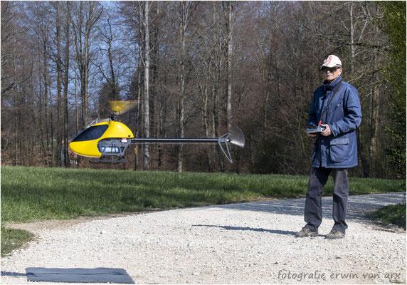Armin Weber pilotiert den Mincopter Diabolo 600