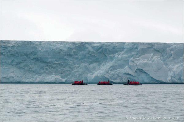 Mit ca. 180km ist dies die längste Gletscherfront der Nordhalbkugel