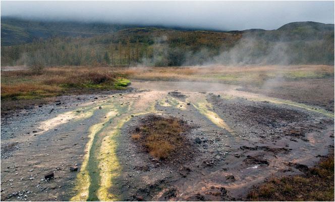 Island, Geysir, wo die Erde dampft und sprudelt, Schwefelablagerungen