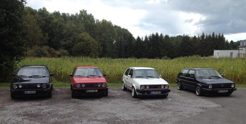 """Von Links nach Rechts: Phillips Alltag-GT-Spezial mit """"Montreal-Felgen"""", Phillip besitzt auch noch einen 1986er 16V in """"Racinggreen-Metallic""""... ;)"""