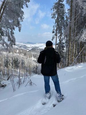 Tiefschneewanderung mit Schnee-Schuhen...