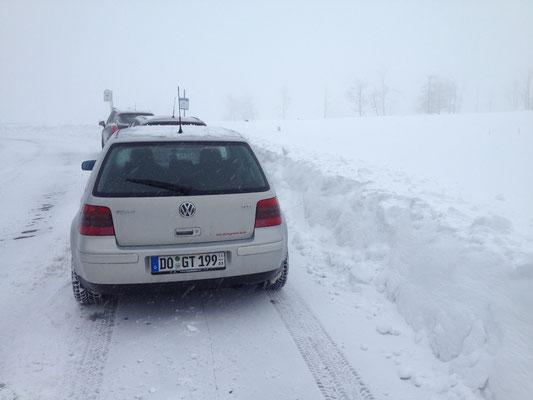 Man beachte die Schneehöhe... klar, ist etwas geschoben, aber realistisch wären es locker 30 - 40 cm...