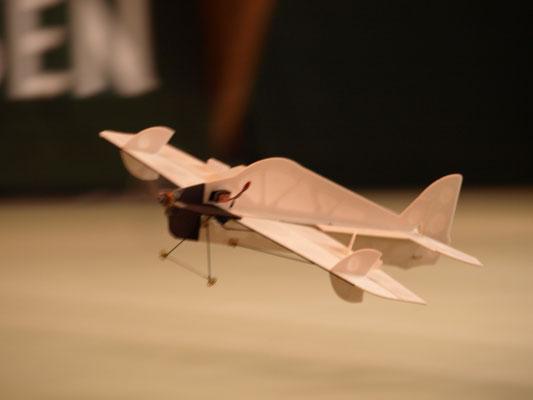 Indoor Modellflieger Eigenbau