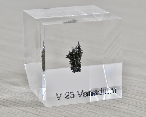 vanadium acrylic cube, metal acrylic cube, vanadium metal, vanadium, vanadium element cube, vanadium acrylic, acrylic cubes of elements for collection and display