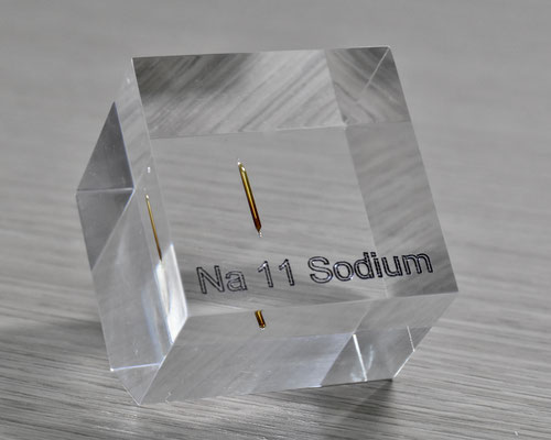 sodium acrylic cube, metal acrylic cube, sodium metal, sodium ampoule, sodium element cube, sodium acrylic, acrylic cubes of elements for collection and display