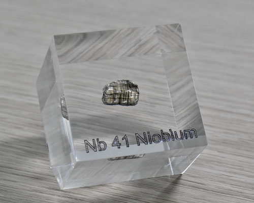 niobium acrylic cube, columbium metal acrylic cube, niobium metal, columbium metal, niobium element cube, niobium acrylic, acrylic cubes of elements for collection and display
