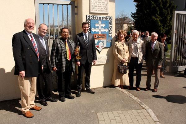 23 avril 2015 : Inauguration des plaques commémoratives, de gauche à droite : Franz Mayer, colonel Pellabeuf, Walter Scholz, Erik Pauly, Mme Nivoley, Henri Saragueta, colonel Broda.