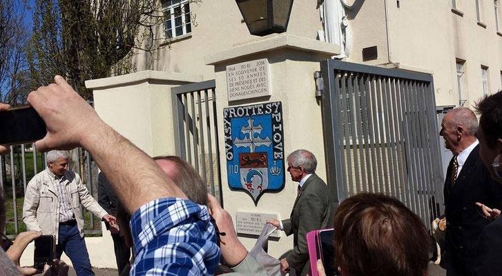23 avril 2015 : le colonel Broda lors de l' inauguration de la plaque commémorative des 50 ans de présence du 110 à Donau.