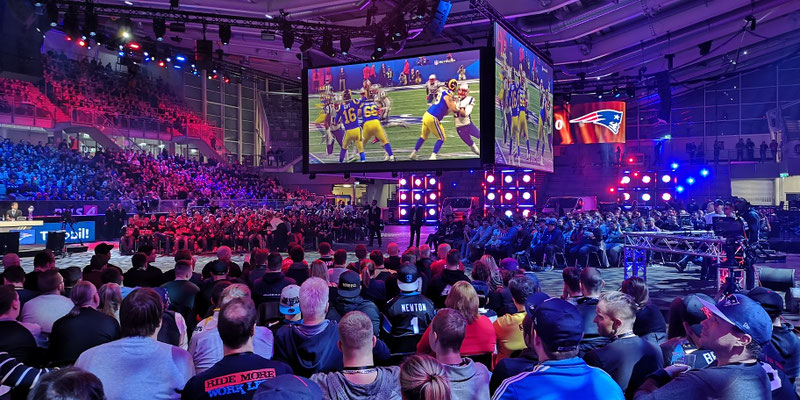 PULS 4 NFL Superbowl
