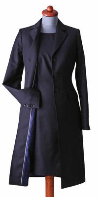Leichter Mantel mit passendem Kleid