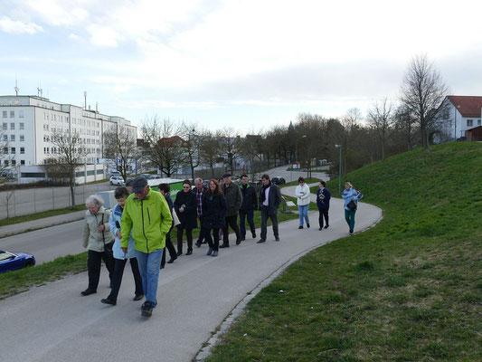 04 04 2018 Emmausgang mit 3 Stationen zur TSV Gaststätte Kriegshaber