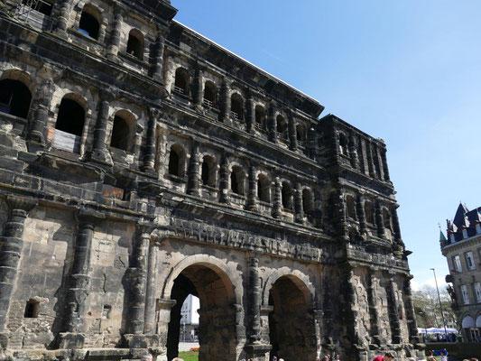 Kolping Jahresfahrt an die Mosel 14.04.2018 Porta Nigra in Trier