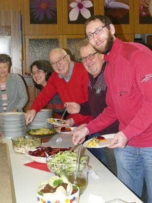 18.01.2019 Reichhaltiges Salatbuffet an der Feier unserer Geburtstagsjubilare aus 2018 im Pfarrsaal der Hlst. Dreifaltigkeit