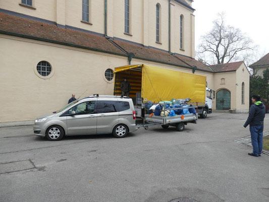 """Unser Kolping Gebrauchtkleidersammlung Partner LKW der """"Aktion Hoffnung"""""""