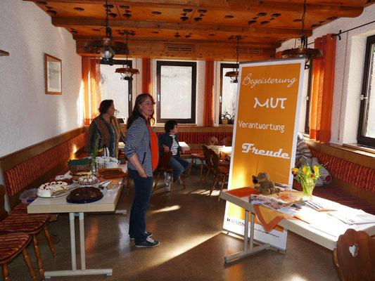 2019 03 23 Kolping und Frauenbund Infostände im Pfarrheim
