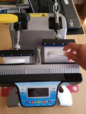 Arbeiten mit der Tassenpresse