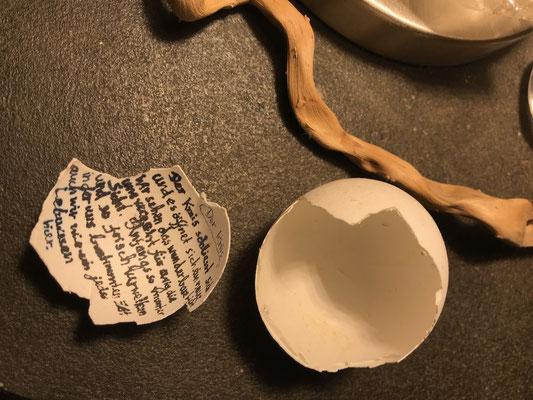 """""""Es schliesst sich der Kreis"""" Eierschale mit Gedicht (Manoush)"""