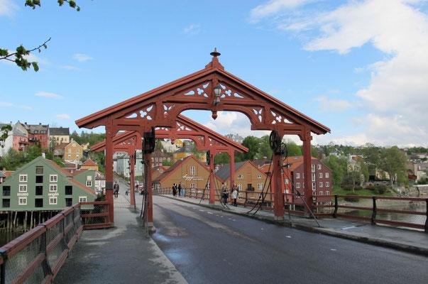 "Holzbrücke ""Gamle Bybroen"""