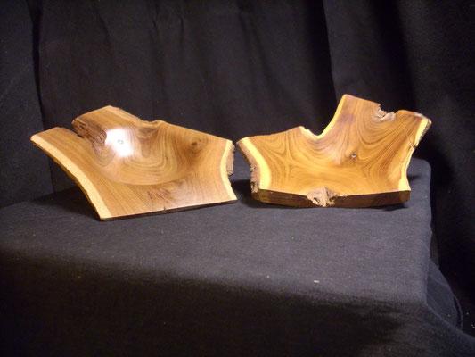 Geschwister-zwei kleine unterschiedliche Schalen aus einer Pflaumenastgabel(D=ca16cm/H=ca 3cm)