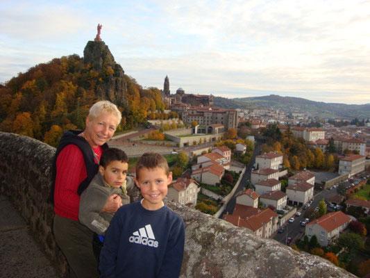 Vue du Puy en Velay depuis Aiguilhe