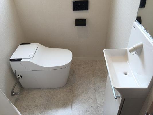 トイレ洋便器、手洗い