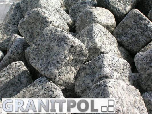 Getrommelter Granitstein aus Polen